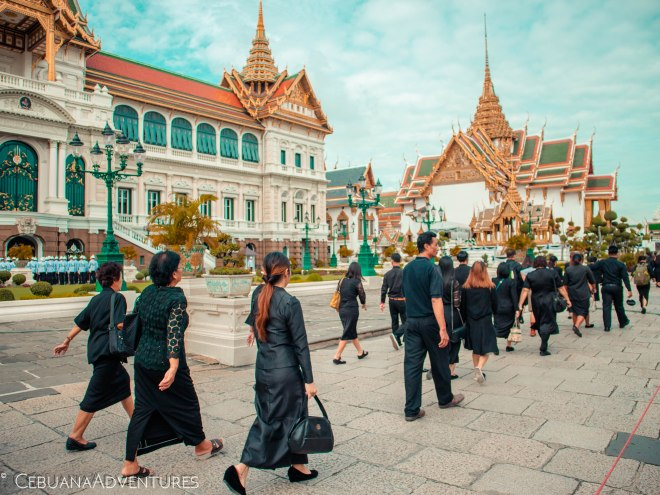 Grand-Palace-Thai-Mourners