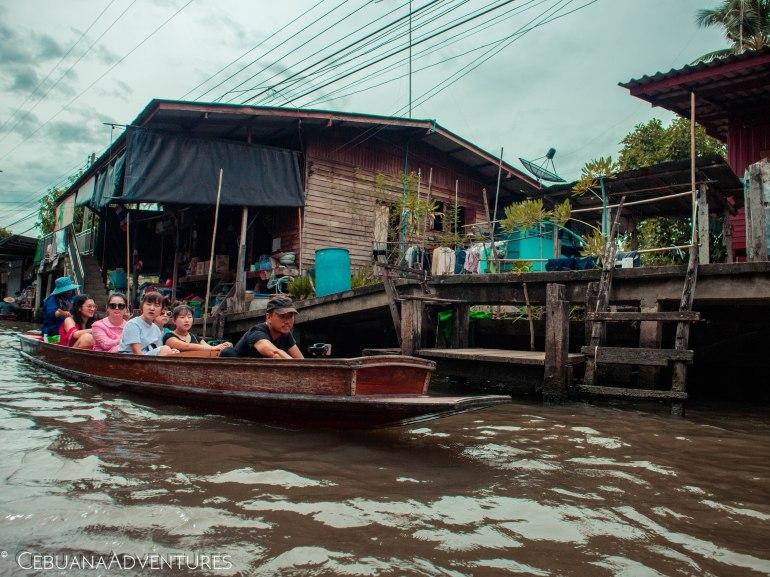 Tourists-Thailand-Floating-Market