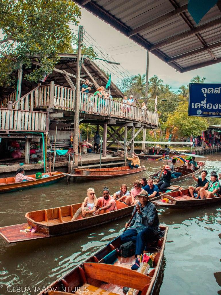 Tourists-Thailand-Floating-Market-Boats