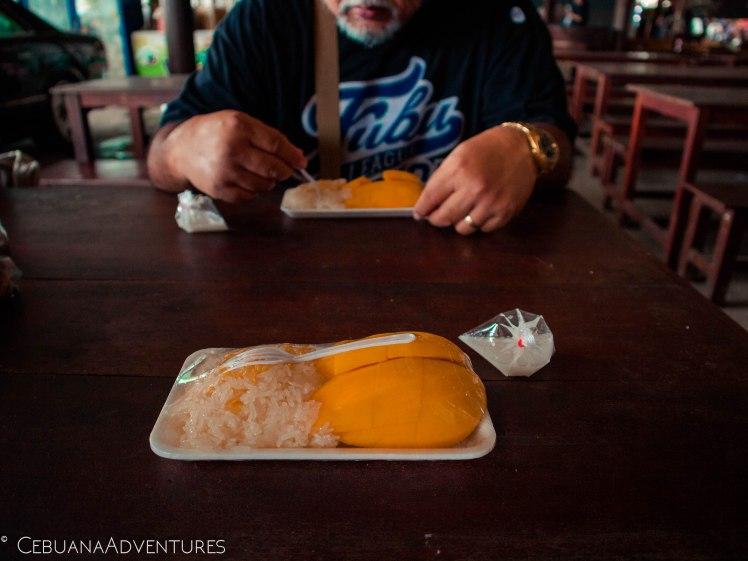 Sticky-Rice-Mango-Thailand-Market